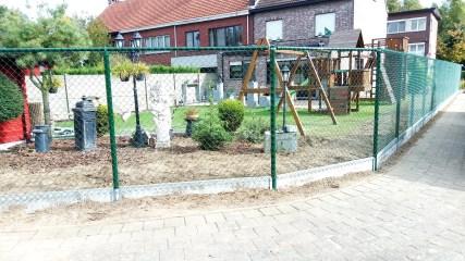 Draadafsluiting met betonplaat referentie